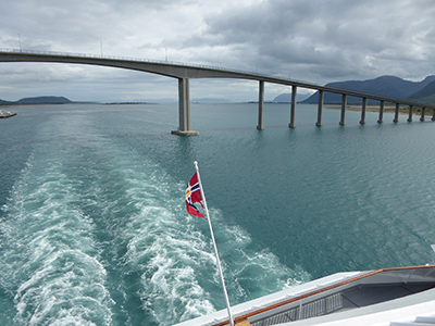 400 flag and bridge