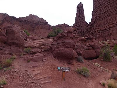 400 climbers hikers