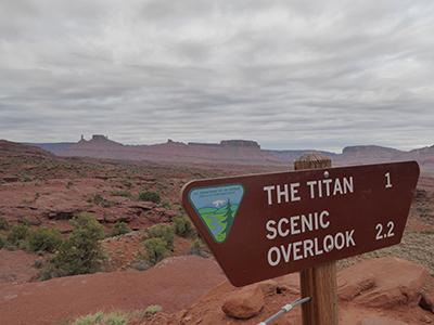 400 titan sign
