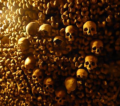 400 skulls heart