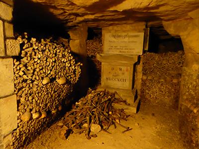 400 tomb